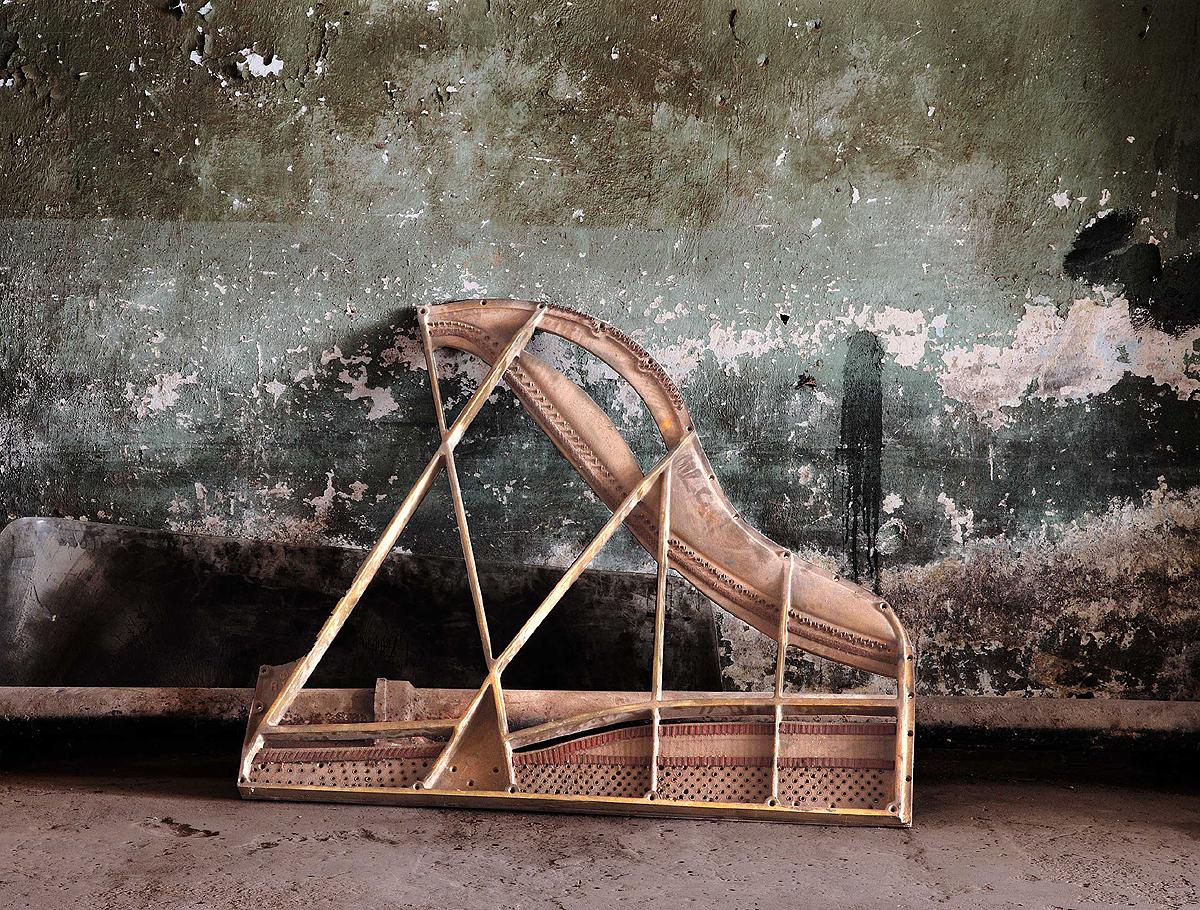 01 - grand piano frame