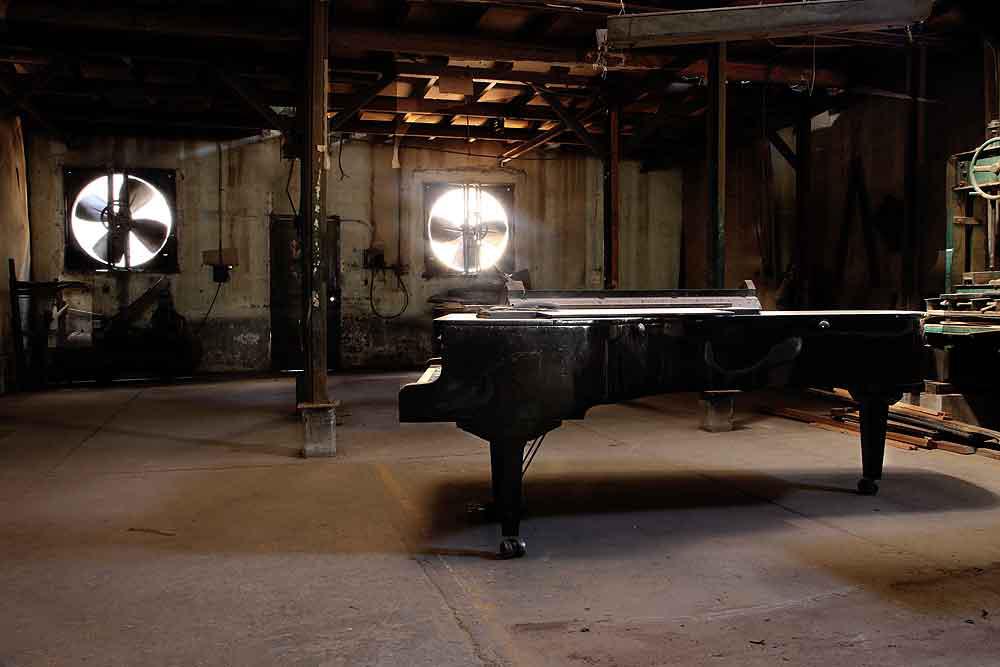 05 grand piano