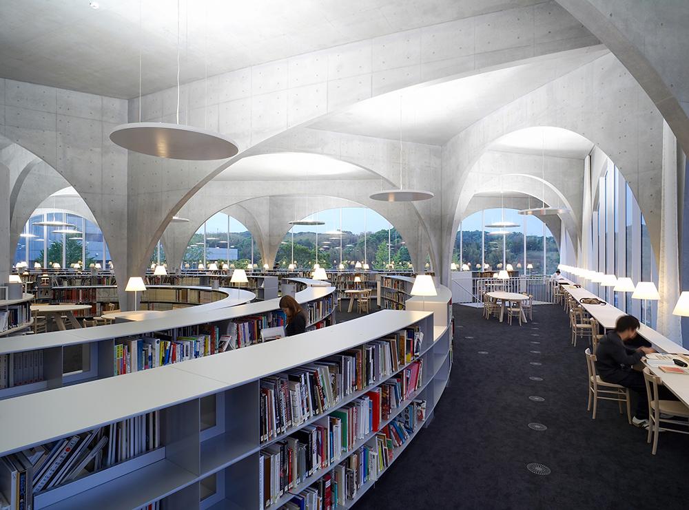 3Tama Art University Library